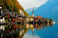 Hallstatt - A Must See Small Lakeside Town in Austria! Beautiful Stories, Beautiful Pictures, Wander Woman, Reflection Art, Les Continents, Natural Bridge, Belle Villa, Strasbourg, European Travel