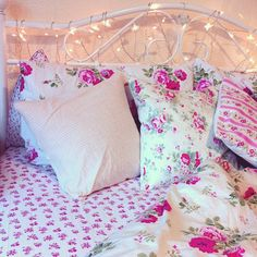 pink floral bedding//future home