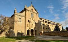Fachada de la iglesia de Valentuñana, Sos del Rey Católico, Zaragoza