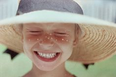 I love the smile and how the light looks like freckles :) Happy Smile, Smile Face, Your Smile, Make You Smile, Happy Faces, I'm Happy, Smiling Faces, Girl Smile, Happy Summer