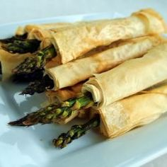 Phyllo Wrapped Asparagus - Eat Like No One Else Best Vegetable Recipes, Homemade Vegetable Soups, Vegetable Dishes, Great Recipes, Favorite Recipes, Healthy Recipes, Delicious Recipes, Recipe Ideas