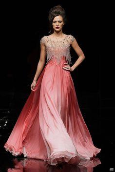 Hanna Touma 2012 » BestDress - cайт о платьях!   The ombre fabric is beautiful.