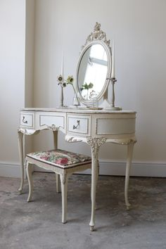 Restored Vintage Louis Dressing Table Stool With Vintage Silk Trim And Floral Seat Vintage Dressing Rooms, Shabby Chic Dressing Table, Dressing Table Design, Dressing Table Vanity, Dressing Table With Stool, Girls Bedroom Canopy, Room Ideas Bedroom, Bedroom Decor, Table Furniture