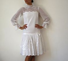 French Vintage 60s White Long Sleeved Wedding Dress