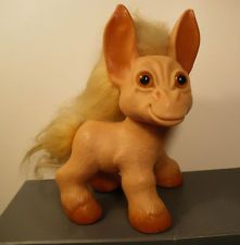 1964 VINTAGE THOMAS DAM LARGE DONKEY TROLL IN EXCELLENT CONDITION.