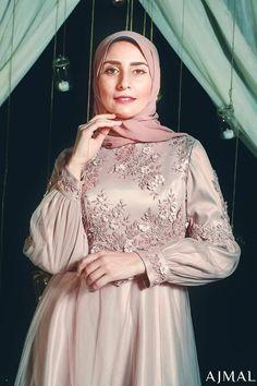 Cheap Women S Fashion Websites Info: 3460170516 Hijab Evening Dress, Hijab Dress Party, Hijab Wedding Dresses, Evening Dresses, Hijab Outfit, Dusty Blue Bridesmaid Dresses, Prom Dresses Blue, Satin Dresses, Prom Dresses Long With Sleeves
