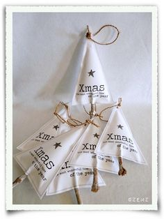 Christmas tree black & white   Xmas decoration . Weihnachtsdekoration . décoration noël   Design: Heidi La Flotte  