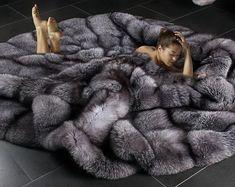Pilou Pilou, Fur Bedding, Faux Fur Blanket, Fur Clothing, Fabulous Furs, Fluffy Sweater, Fur Accessories, Fur Throw, Fox Fur Coat