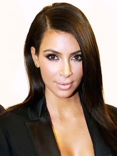 Kim Kardashian Reveals Her ENTIRE Beauty Routine, Contouring Included
