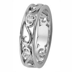 Laurel-mallistossa yhdistyvät siro köynnös, kullan kiilto ja pinnan pehmeä mattaus sekä säihkyvät timantit. Timantit 2 x 0,015 H/SI. Design Marko Osala. Suositushinta 539 €. Wedding Rings, Engagement Rings, Jewelry, Design, Enagement Rings, Jewlery, Jewerly, Schmuck