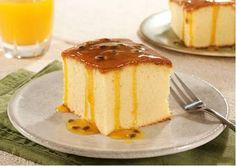 Crédito: Reprodução Passion Fruit Cake, Portuguese Recipes, Sweet Recipes, Cheesecake, Food Porn, Menu, Sweets, Baking, Desserts