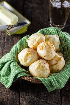 Authentic Brazilian Cheese Bread (Pão de Queijo), the most popular Brazilian snack is gluten free and loaded with gooey cheese. You'll be hooked! Snacks, Snack Recipes, Cooking Recipes, Bread Recipes, Oven Recipes, Recipies, Brazilian Cheese Bread, Eat This, Portuguese Recipes