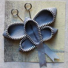 Zipper Crafts to Enhance Creativity Zipper Crafts, Fabric Christmas Ornaments, Zipper Jewelry, Flower Brooch, Flower Crafts, Needle And Thread, Flower Making, Handmade Crafts, Altered Art