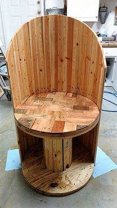 The cable reel spool can do wonders in your home's interior. If you think that you can only design odd looking round things with the wooden spools then you are not right. Look at this amazing luxury grand chair. It is executive kind of chair and can be conveniently made using the spools.