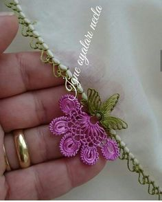 This post was discovered by Ya Needle Lace, Bobbin Lace, Japanese Embroidery, Hand Embroidery, Filet Crochet, Crochet Stitches, Lace Patterns, Crochet Patterns, Applique Designs