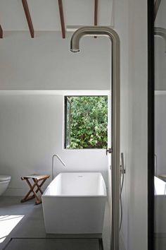 Modern badkamer ontwerp door Juliana & Tristan