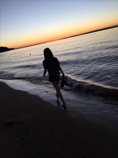 Cute Beach Pictures, Girly Pictures, Sunset Pictures, Beach Photos, Cool Pictures, Tumblr Photography, Girl Photography Poses, Shadow Pictures, Applis Photo
