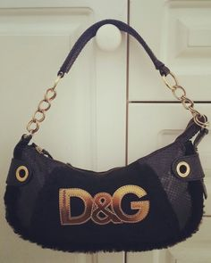 Dolce & Gabbana Handbag  $100  Black with fur, snakeskin and suede. Rare bag. Good condition. Few marks to inside. Chain handles.  #dolceandgabbana #black #bags #handbag #luxury #love #selling #forsale #auction #sell #p4foz