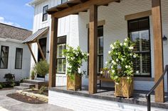 The exterior design of a home can often get overlooked, but as the first thing that welcomes both us and our guests, it is worth devoting some time tending to the outside of your house. The farmhouse exterior design totally… Continue Reading → White Brick Houses, White Exterior Houses, Exterior Paint, Exterior Design, Exterior Windows, Black Exterior, White Bricks, Exterior Stairs, Facade Design