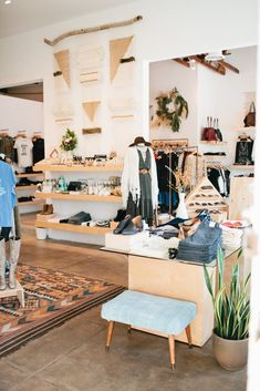 Photo 18 of 65 for Prism Boutique - Long Beach, CA Clothing Boutique Interior, Boutique Decor, Boutique Shop, Boho Boutique, Boutique Ideas, Visual Merchandising, Retail Store Design, Retail Stores, Store Layout