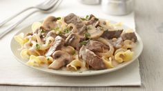 Beef Stroganoff Classic Beef Stroganoff--Basic ingredients, quick prep and great flavor—all reasons that this dish is a classic!Classic Beef Stroganoff--Basic ingredients, quick prep and great flavor—all reasons that this dish is a classic! Beef Recipes, Cooking Recipes, Recipies, Stroganoff Recipe, Mushroom Stroganoff, Mushroom Soup, Carne Picada, Slow Cooker Beef, Beef Dishes