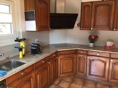 Rénovation crédence de cuisine en grand format. Grand Format, Kitchen Cabinets, Home Decor, Countertop, Kitchens, Decoration Home, Room Decor, Cabinets, Home Interior Design