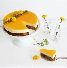 Passionsfrugt mousse-kage med skyr og lakrids