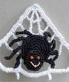 DIY Halloween : DIY Spider Web Crochet Pin DIY Halloween Decor