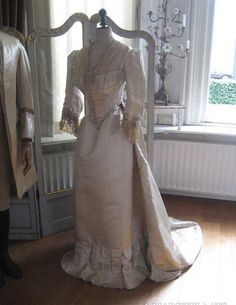 Creamy victorian dress from 1800s