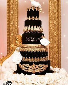 Cake by Black Beauty for loveliest couple Anika and… Extravagant Wedding Cakes, Luxury Wedding Cake, Black Wedding Cakes, Elegant Wedding Cakes, Beautiful Wedding Cakes, Gorgeous Cakes, Wedding Cake Designs, 16 Birthday Cake, Cake Trends