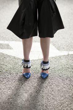 #closeup #shoes #leather Sandals, Fitness, Leather, Design, Shoes, Fashion, Moda, Shoes Sandals, Zapatos
