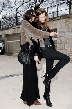 crazy kids....#RubyAldridge and #JacJagaciak hamming it up for the cameras. #offduty.