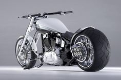 Rearwheel bigger than big and steering wheel awesome wide on this custom made Harley-Davidson Softail Harley Davidson Chopper, Classic Harley Davidson, Harley Davidson Motorcycles, Davidson Bike, Custom Street Bikes, Custom Bikes, Hd Motorcycles, Bobber Bikes, Harley Davidson Pictures