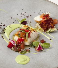 Nadire Atas on Foodie Journey This exquisite cod recipe from Agnar Sverrisson of London's Texture is a delicious nod to the chef's Icelandic heritage. Cod Recipes, Fish Recipes, Seafood Recipes, Cooking Recipes, Great British Chefs, Avocado Recipes, Creative Food, Food Design, Gastronomia