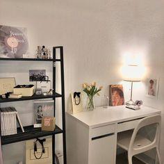 Room Design Bedroom, Room Ideas Bedroom, Bedroom Decor, Army Room Decor, Study Room Decor, Minimalist Room, Aesthetic Room Decor, 90s Aesthetic, Cozy Room