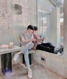 Korean Boys Ulzzang, Cute Korean Boys, Ulzzang Couple, Ulzzang Boy, Lgbt Couples, Cute Gay Couples, Real Couples, Gay Aesthetic, Couple Aesthetic