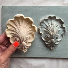 Creating dimension on flat surfaces has never been easier with Efex™ Moldings! Made of latex, these moldings are incredibly flexible & look like wooden accents! ☑️Choose your favorite, paint with Chalk Paint® then adhere with liquid cement! All products in stock  #beforeandafter #efex #latex #molding #diy #learnhow #custom #dimension #anniesloan #chalkpaint #morethanpaint #decor #home #paintpassionnj #redbank #nj #newjersey #monmouthcounty #shoplocal