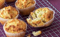 Savoury-carrot-&-courgette-muffins_800x500