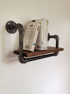 Wall Bookshelf - Reclaimed Wood & Pipe - Picmia