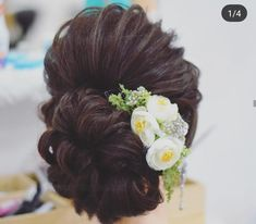 Indian Wedding Bun Hairstyle Pictures for to-be-brides - FABB wedding hairstyles Bridal Hairstyle Indian Wedding, Bridal Hair Buns, Bridal Hairdo, Hairdo Wedding, Wedding Hair Down, Wedding Dress, Indian Bun Hairstyles, Indian Wedding Hairstyles, Bride Hairstyles