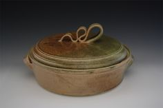 Pottery Stoneware Casserole Dish by Noël Keag Casserole Dishes, Stoneware, Pottery, Ceramics, Crafts, Inspiration, Products, Noel, Ceramica