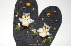 Women purple mittens with owl . by Indrasideas on Etsy