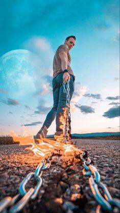 by Manuel Bechter & Romez photography, photography tips, photography hacks, photo hacks, life hacks, photo ideas, photography ideas, diy, hacks, creative, camera hacks, how to, photo, creative Photography Hacks, Creative Photography, Landscape Lens, Foto Editing, Lightroom, Photoshop, Moon Photos, Camera Hacks, Photo Retouching