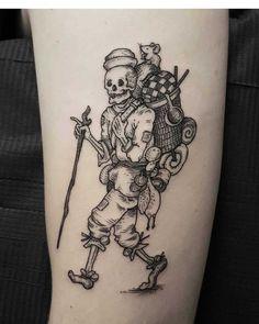 No photo description available. Animal Skull Tattoos, Skeleton Tattoos, Hand Tattoos, Tatoos, Unique Tattoos, Beautiful Tattoos, Small Tattoos, Photomontage, Tattoo Bauch