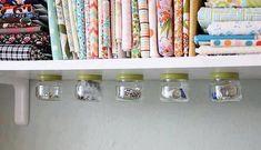 Come riciclare in maniera unica i barattoli di vetro