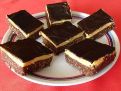 nanaimo-szelet-sutes-nelkul Breakfast Recipes, Dessert Recipes, Jamie Oliver, International Recipes, Tiramisu, Cheesecake, Sweets, Cookies, Chocolate