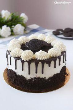Chocolate and hazelnut cake - HQ Recipes Chocolate Oreo Cake, Chocolate Recipes, Oreo Biscuits, Bolo Cake, Hazelnut Cake, Yogurt Cake, Number Cakes, Oreo Dessert, Oreo Cheesecake