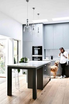 V-groove kitchen in Grey