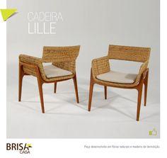 Cadeira Lille. Peça produzida em fibras naturais e madeira de demolição.
