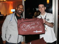 Chris Calloway showing Zumer Sport some love with our Zumer Football Duffel at the 2015 NFLPA Super Bowl event with Sports 1 Marketing/Warren Moon Enterprises. #ThrowbackThursday #Sports1Marketing https://www.zumersport.com/collections/duffel-bags/products/football-duffel-bag-1